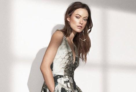 Olivia Wilde con un vestido print de la colección 'Conscious Exclusive' de H&M