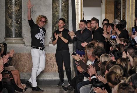 Peter Dundas tras el desfile de Emilio Pucci en la Milán Fashion Week 2015