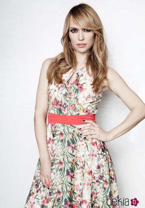 Patricia Conde con un vestido tropical de la colección primavera/verano 2015 de Dándara