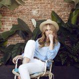 Patricia Conde posando como imagen de la colección primavera/verano 2015 de Dándara