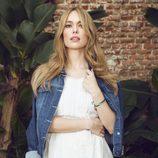 Patricia Conde con un vestido blanco de la colección primavera/verano 2015 de Dándara