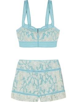 Crop top y pantalón de talle alto en azul turquesa de la colección primaveral de Charo Ruiz