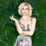 Adriana Abenia posando como musa de la colección primavera/verano 2015 de Barbarella