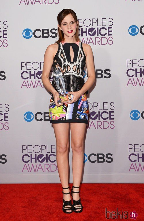Emma Watson con un vestido 'print' en los People's Choice Awards 2013
