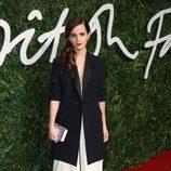 Emma Watson con un traje negro y blanco en los 'British Fashion Awards 2014'