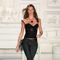 Gisele Bundchen desfilando para Colcci en la Semana de la Moda de Sao Paulo otoño/invierno 2009/2010