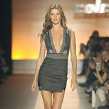 Gisele Bundchen desfilando para Colcci en la Semana de la Moda de Sao Paulo 2013