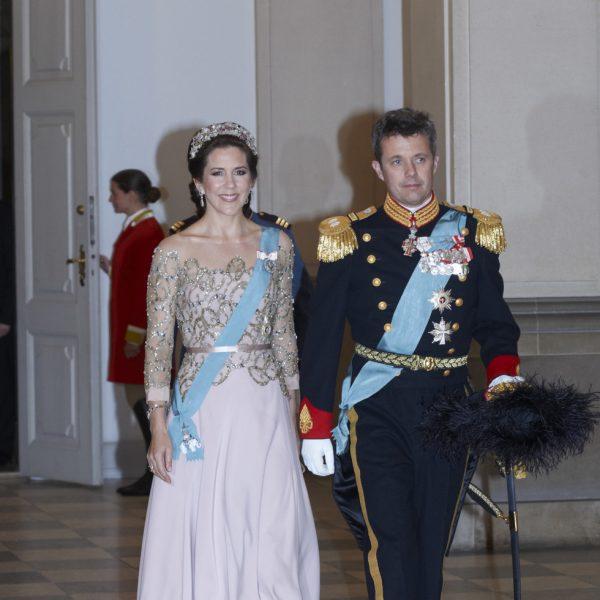 La Princesa Mary De Dinamarca Con Un Vestido Rosa Palo De