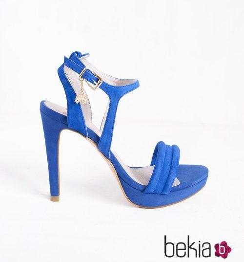 Sandalia Agatha azul aciano de la colección primavera/verano 2015 de Barbarella