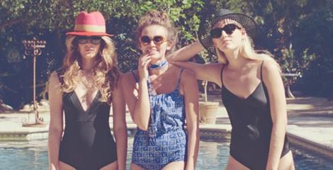 Tres modelos de la colección de baño 2015 de & Other Stories