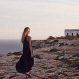 Vanesa Lorenzo con un vestido negro largo de la colección Mango Premium verano 2015