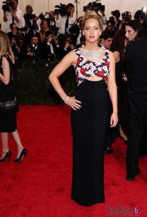 Jennifer Lawrence con un vestido de Dior en la Gala del Met 2015
