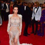 Kim Kardashian con un vestido de Roberto Cavalli en la Gala del Met 2015
