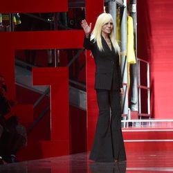 Donatella Versace en la Milan Fashion Week 2015