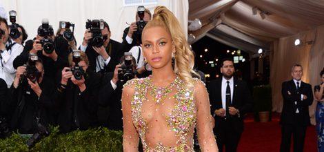 Beyoncé con un vestido de Alta Costura de Givenchy en la Gala del Met 2015