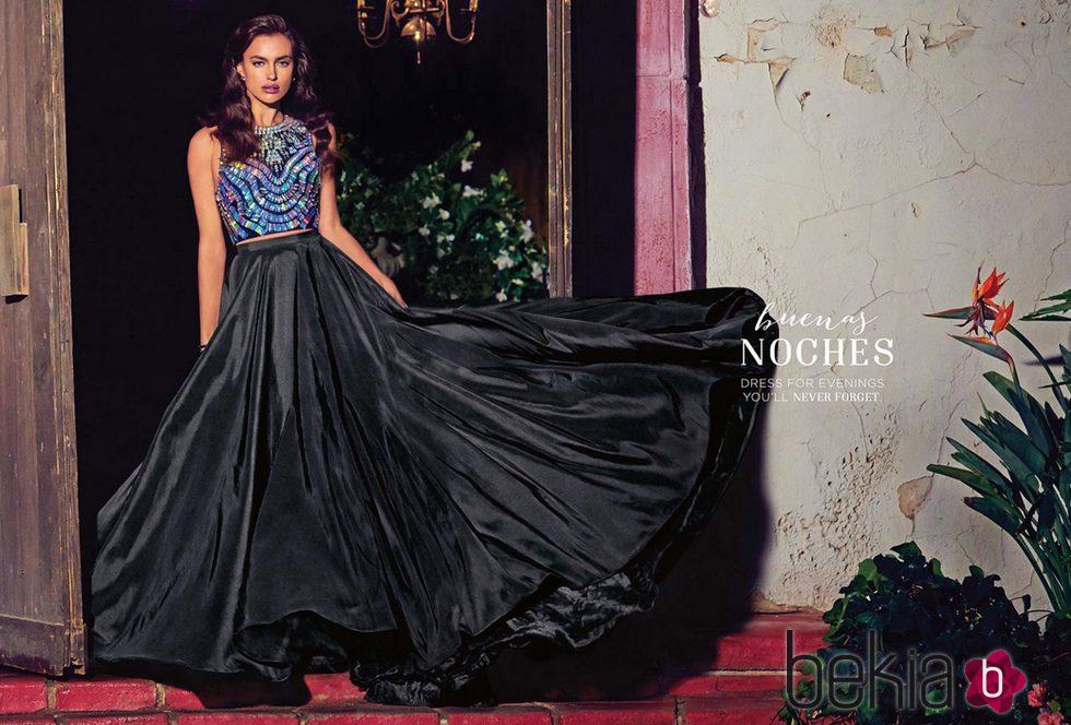 35222e5019 Anterior Irina Shayk con una falda negra con mucho vuelo de la colección  primavera verano 2015