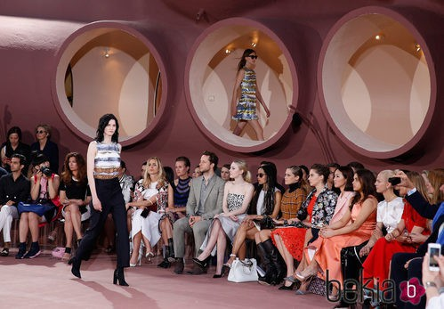 Desfile de la colección Crucero 2015 de Dior en el Palacio de Burbujas de Cannes