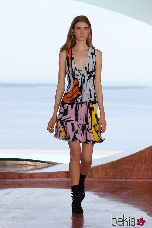 Vestido plisado y estampado de la colección Crucero 2015 de Dior