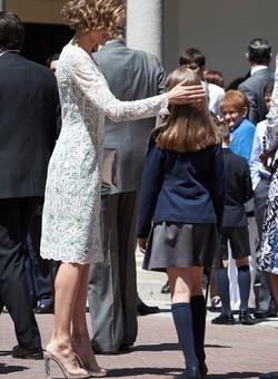 La Reina Letizia en la Primera Comunión de la Princesa Leonor