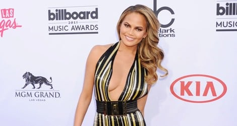 Chrissy Teigen se decide por Balmain para su look en los Billboard Music Awards 2015