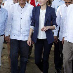 Los looks de la Reina Letizia en su viaje a Honduras y El Salvador