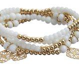 Pulsera con perlas blancas y doradas de la colección 'White & Gold' de Claire's