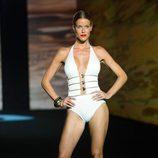 Bañador blanco de Banana Moon en la Swimwear Fashion Week Gran Canaria Moda Cálida 2015
