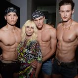 Donatella Versace en el backstage de la Milan Fashion Week 2015