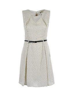 Vestido blanco con lunares de la colección primavera/verano 2015 de Kocca