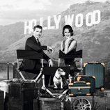 Alessandra Ambrosio y Johannes Huebl delante del cartel de Hollywood para la campaña de Rimowa