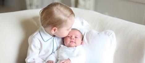 Jorge de Cambridge con su hermana la Princesa Carlota en sus primeras fotos oficiales