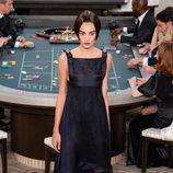 Vestido azul noche de la colección de Alta Costura otoño/invierno 2015/2016 de Chanel
