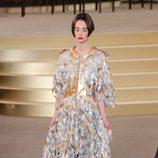 Vestido de plumas de la colección de Alta Costura otoño/invierno 2015/2016 de Chanel