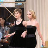 Lily Collins y Lily-Rose Depp en el desfile de la colección de Alta Costura otoño/invierno 2015/2016 de Chanel