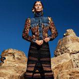 Ondria Hardin con una chaqueta vaquera animal print de la colección otoño/invierno 2015/2016 de Tom Ford
