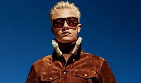 Lucky Blue con chaqueta de piel de la colección otoño/invierno 2015/2016 de Tom Ford