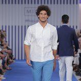 Camisa blanca y pantalón azul para hombre de la colección primavera/verano 2015 de Mirto