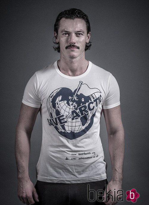 Luke Evans apoya la campaña de Greenpeace 'Save the Arctic'