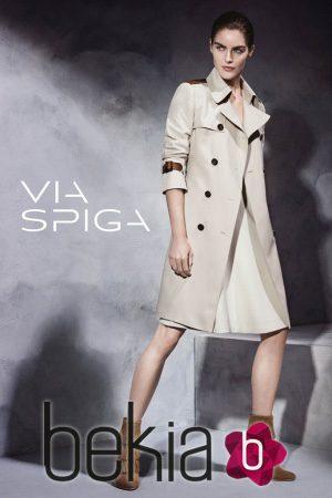 Hilary Rhoda, imagen de la colección otoño/invierno 2015/2016 de Via Spiga