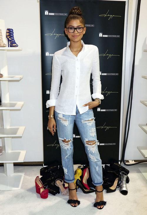 Zendaya look ideal para la presentación de su colección de zapatos