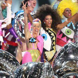 Estilismos de Miley Cyrus en los MTV VMA 2015