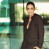 Vicky Martin Berrocal con un conjunto estampado de blusa y pantalón de la temporada otoño 2015 de Violeta by Mango