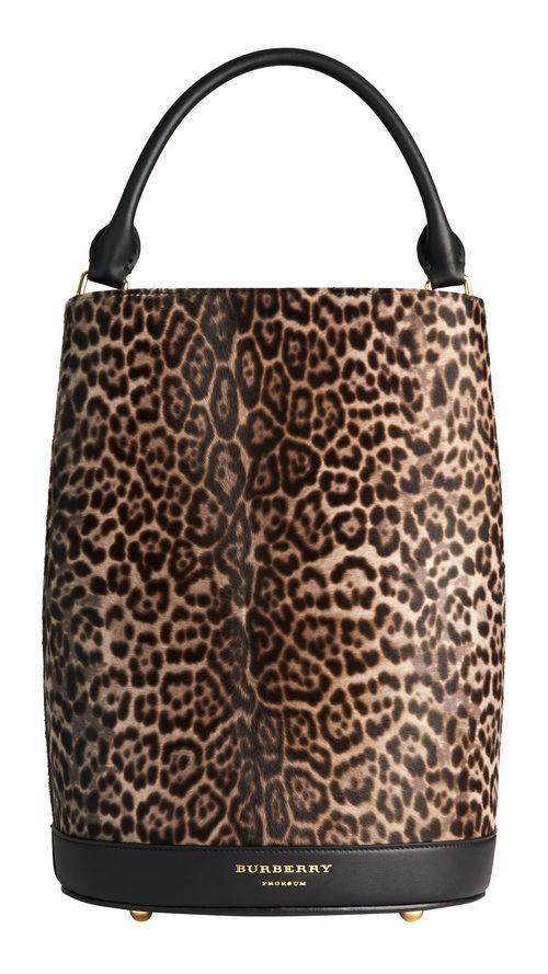 Bolso bucket animal print de la colección otoño/invierno 2015/2016 de Burberry