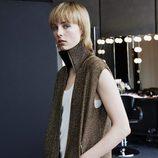 Edie Campbell con un chaleco de la colección 'Studio' otoño/invierno 2015/2016 de H&M