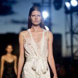 Vestido blanco de la colección primavera/verano 2016 de Givenchy en Nueva York Fashion Week