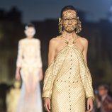 Vestido color champán de la colección primavera/verano 2016 de Givenchy en Nueva York Fashion Week