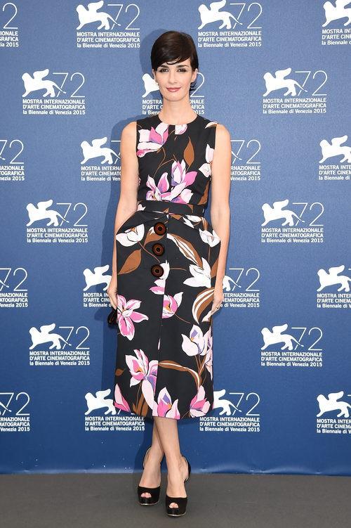 Paz Vega con un vestido de Salvatore Ferragamo en la presentación de 'Jury' en la Mostra 2015