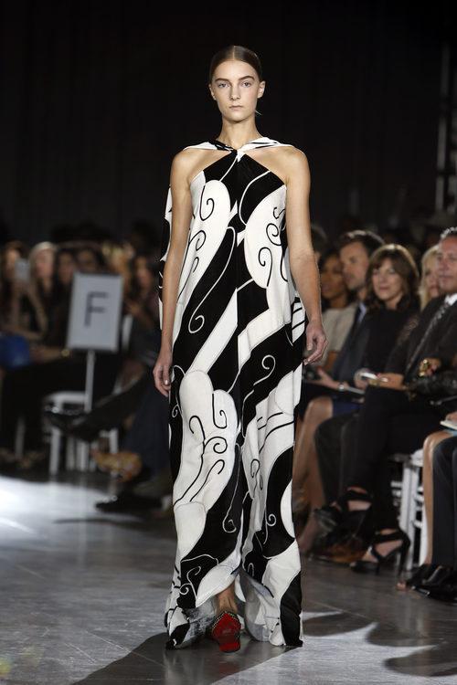 Vestido blanco y negro estampado de la colección de primavera/verano 2016 de Zac Posen en Nueva York Fashion Wee