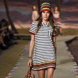 Vestido de rayas de la colección de primavera/verano 2016 de Tommy Hilfiger en Nueva York Fashion Week