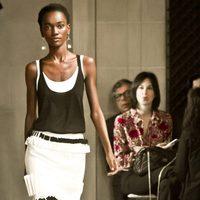 Camiseta y pantalón black&white de la colección de Carolina Herrera primavera/verano 2016 en la Nueva York Fashion Week